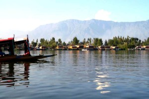 A Memorable Visit to Dal Lake